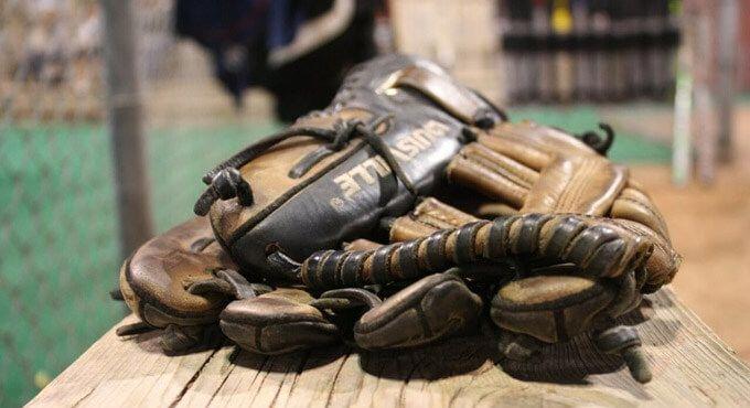 Top 10 baseball gloves in 2017