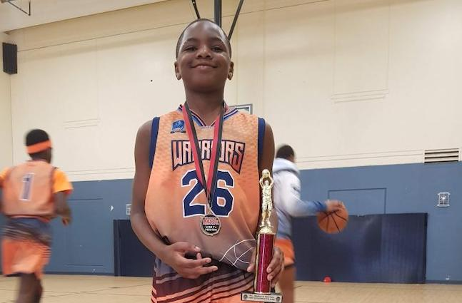 2026's Khanye Moss uses his excellent basketball IQ to make winning plays