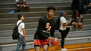 2021's Kenny Turner brings positive energy on and off the hardwood
