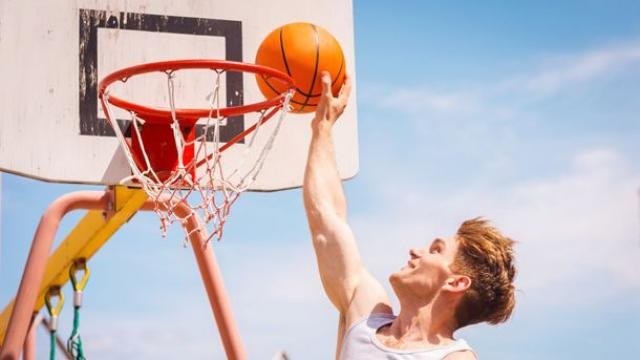 How to choose the best basketball camp to get noticed