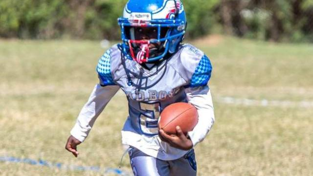 2028's KJ Williams demonstrates superb mastery on both sides of the ball