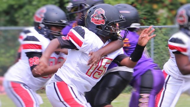 2028 DL Kingston Brown is a beast in the trenches